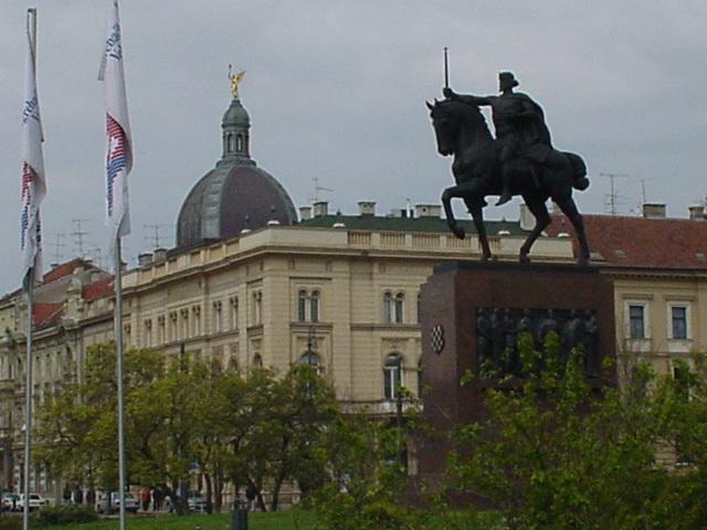 021_Statue in Zagreb
