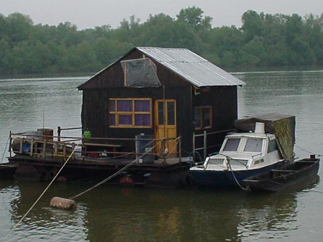 032_Hausboot