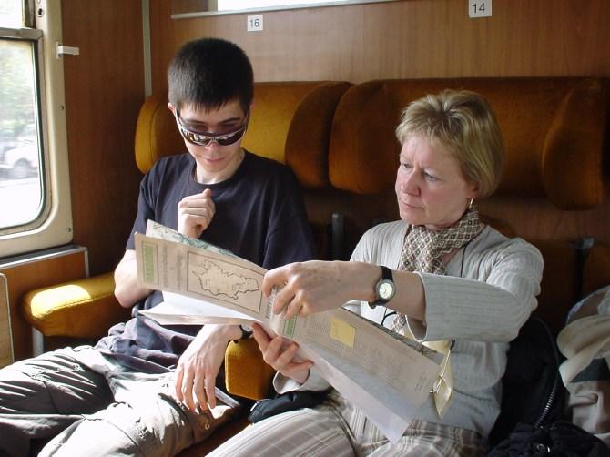 055_Marc + Rita im Zug