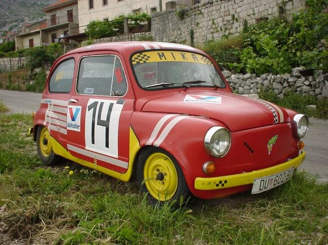 044_Ein gefundener Rennwagen Marke Zastava