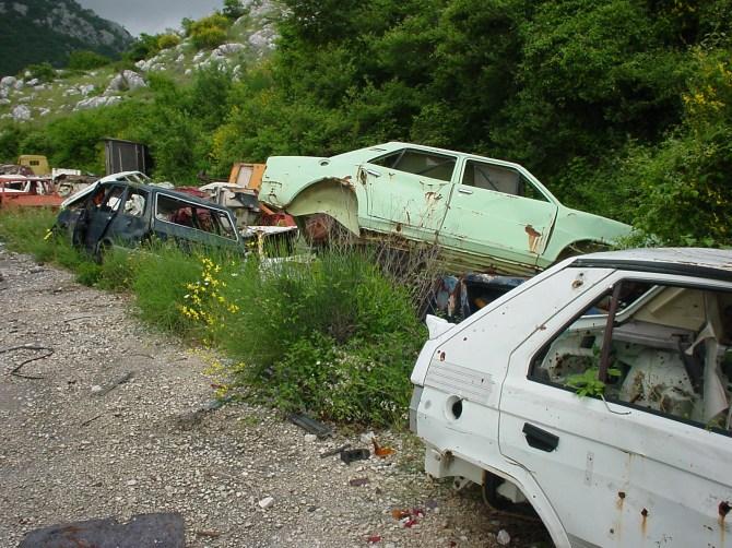 045_Autofriedhof