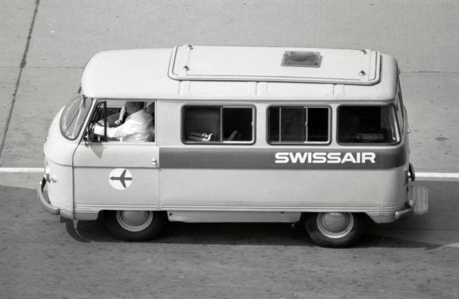 Bus der Swissair am Flughafen Zürich-Kloten
