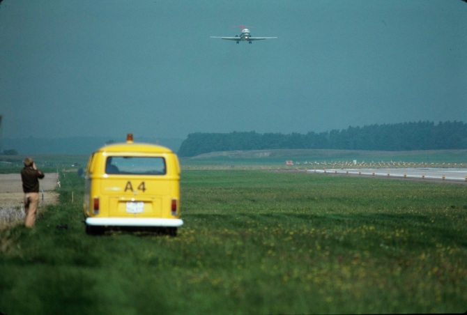 """McDonnell Douglas DC-9-32, HB-IFU """"Chur"""" beim Landen in Zürich-Kloten"""