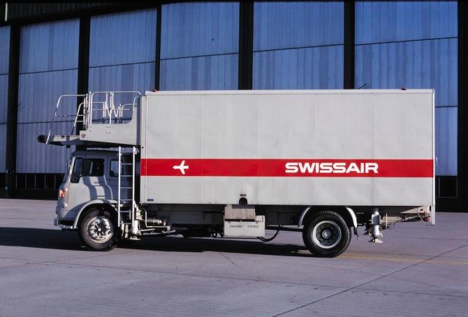 Fahrzeug am Flughafen Zürich-Kloten