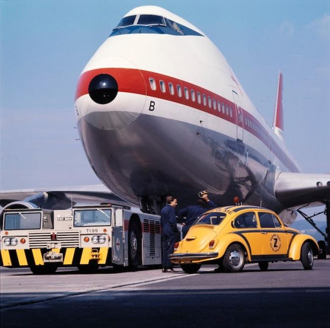 """Boeing 747-257 B, HB-IGB """"Zürich"""" in der von 1971 bis 1980 verwendeten Bemalung am Boden in Zürich-Kloten"""