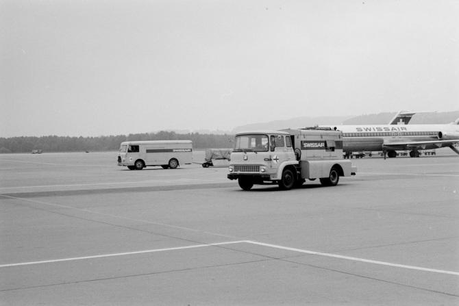 Air Starter der Swissair am Flughafen Zürich-Kloten