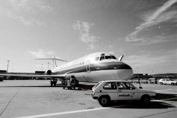 "McDonnell Douglas DC-9-32, HB-IFH ""Opfikon"" am Boden in Zürich-Kloten"
